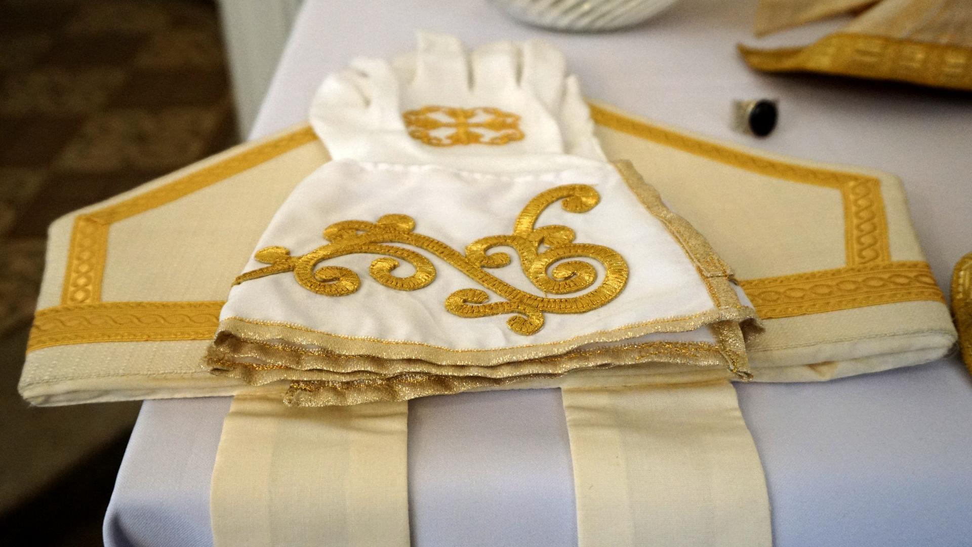 Handschuhe Bischof Regionalkonvent August 2017