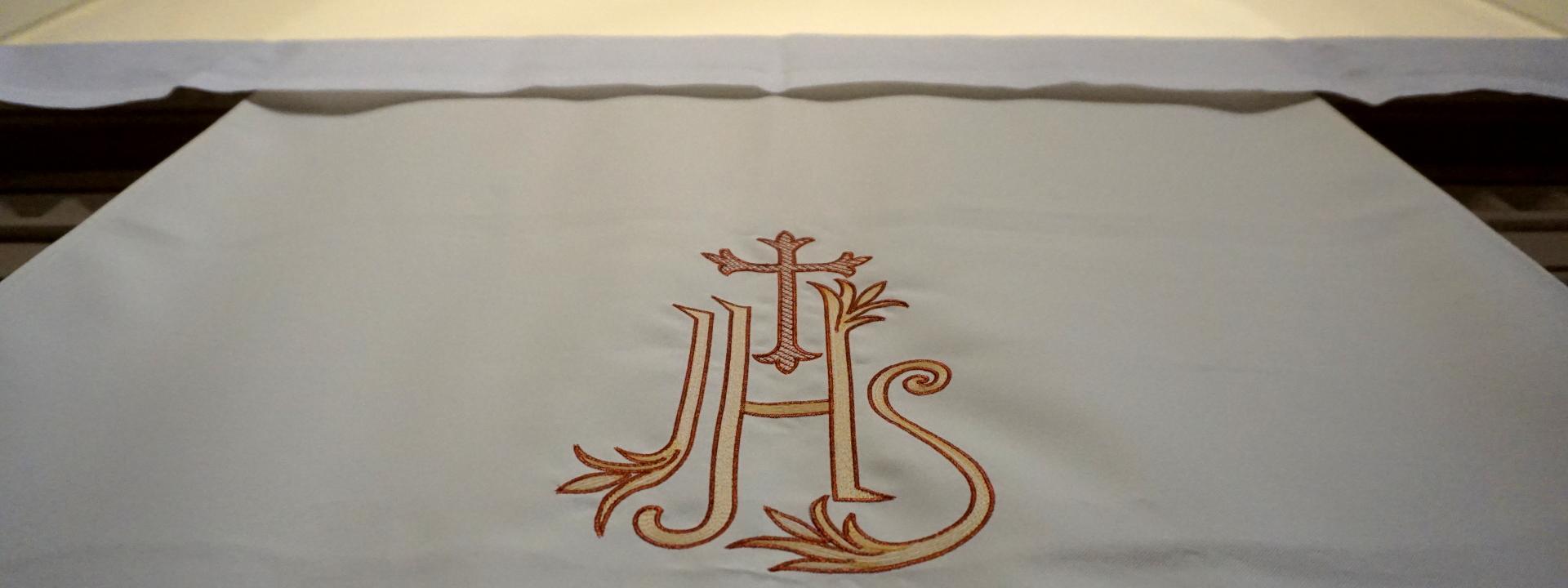 Antependium weiß IHS Regionalkonvent West SJB Johannesbruderschaft